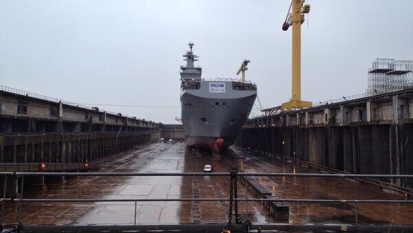 Launch of the Russian helicopter carrier vessel Vladivostok in France. - Sputnik International