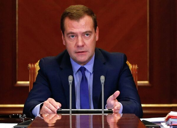 Russian PM Dmitry Medvedev said that the return of Russian troops to their permanent bases is part of Russia's domestic policy and not a signal to anyone. - Sputnik International