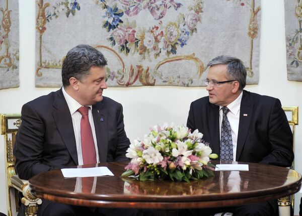 Poland's President Bronisław Komorowski said that supplies of weapons to Ukraine were not discussed during the NATO summit - Sputnik International