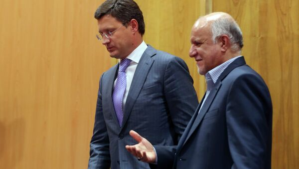 Russian Energy Minister Alexander Novak, left, and Iranian Oil Minister Bijan Zanganeh - Sputnik International