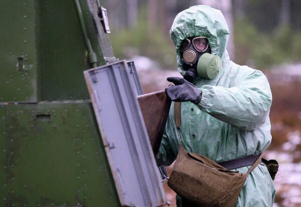 Russia's Radiation, Chemical and Biological Protection Units of the Strategic Missile Forces began training on the detection of different viruses and harmful bacteria - Sputnik International