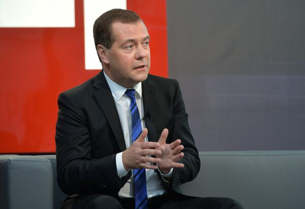 """Russian Prime Minister Dmitry Medvedev says that Russia intends to develop its """"mutually beneficial"""" strategic relationships with China. - Sputnik International"""