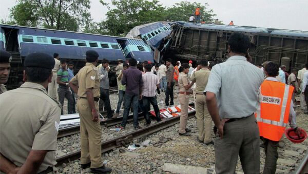 Two passenger trains collided in India's norther state of Uttar Pradesh, killing 12 people and injuring 45. - Sputnik International