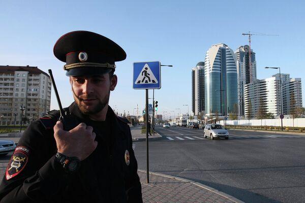 Grozny police officer. - Sputnik International
