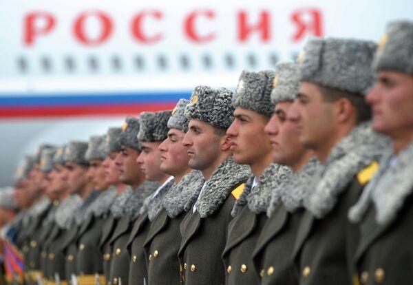 Servicemen during an official ceremony in Gyumri, Armenia. - Sputnik International