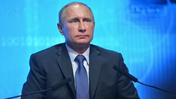 Vladimir Putin reminded Obama that sowing discord between nuclear powers can undermine strategic security. - Sputnik International