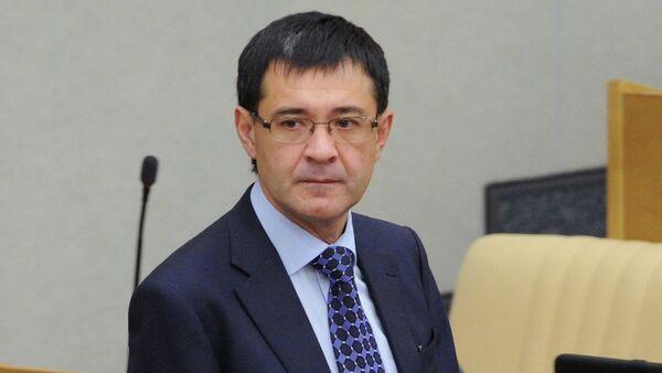 Father of the alleged cybercriminal Russian lawmeker Valery Seleznev. - Sputnik International